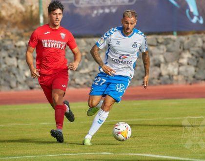 Elliot, de revelación en la 19-20 a descarte este verano en el CD Tenerife