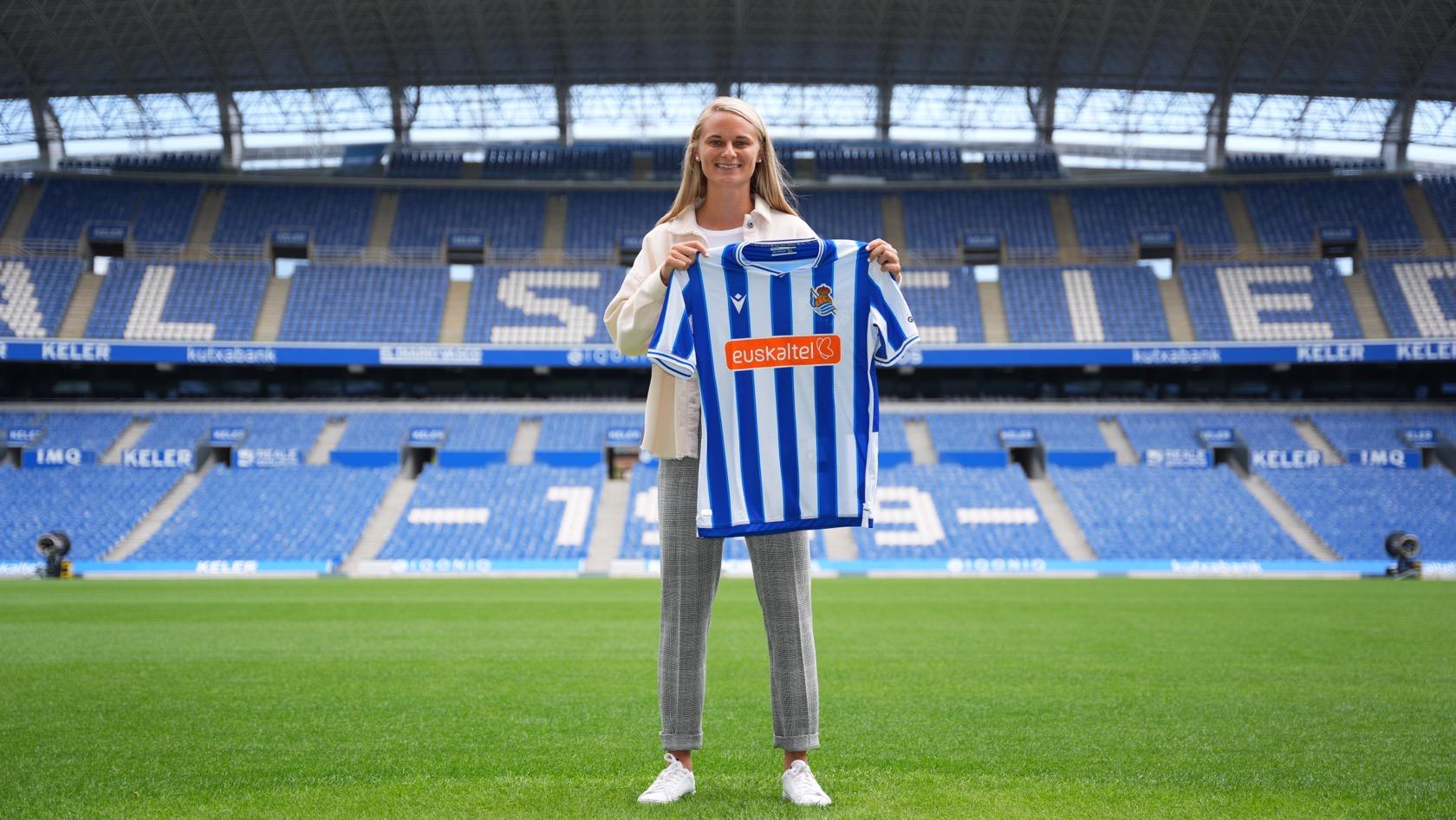 Clare Pleuler firma por la Real Sociedad