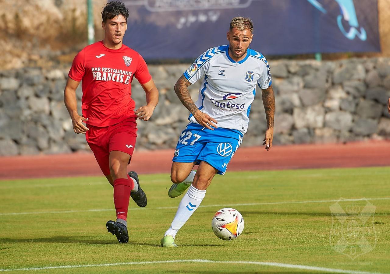 """Crónica del CD Águilas 0-4 CD Tenerife: """"Goleada blanquiazul ante el Águilas en el estreno estival"""""""